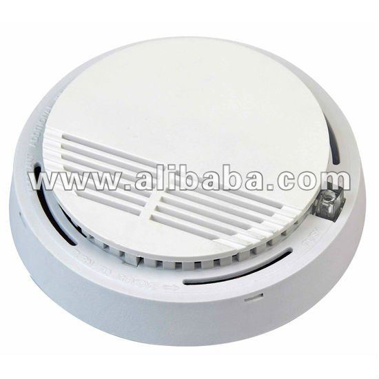Stand alone battery operated photoelectric smoke detector