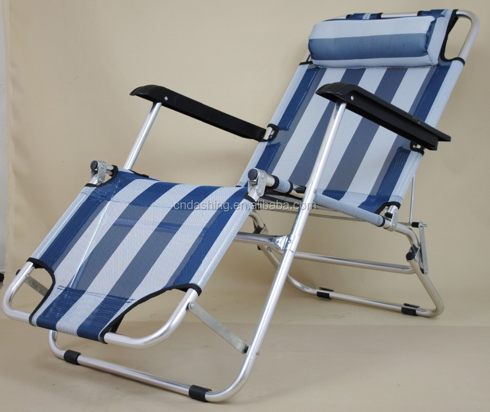 Low Beach Leisure Chair With Footrest Folded Lounge Chair