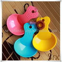 OEM food grade PP Pet Candy Color Plastic Shovel Heart Shape Handle Pet Food Spoon /Candy Color Plastic Shovel Manufacturer