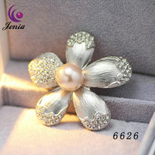 Jenia Fancy Design Fashion Brooch Safety Plated White Gold Brooch Pins