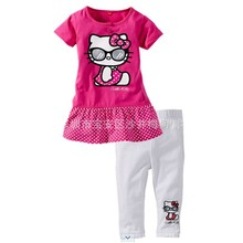 Fashion top hot hot pink white dot two pieces printed lovely set baby gift set baby clothes factory baby bedding set Kittyset