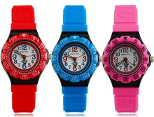 Good quality 30 meters waterproof watch for children plastic protect material free sample!