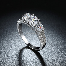 18K White Gold Plated Stainless Steel Austrian Crystal Wedding Ring