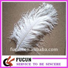 large white ostrich feathers wedding table feather decoration