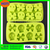 Silicone ice cube box with skull shape