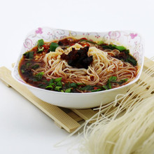 Hot sour beef flavour cup rice noodle from noodle factory