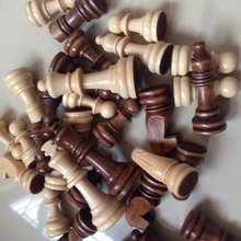 custom wooden game pieces 32pcs/set Wood Chessmen with 3 in. King