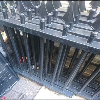 2x 294cm wrought iron metal railings