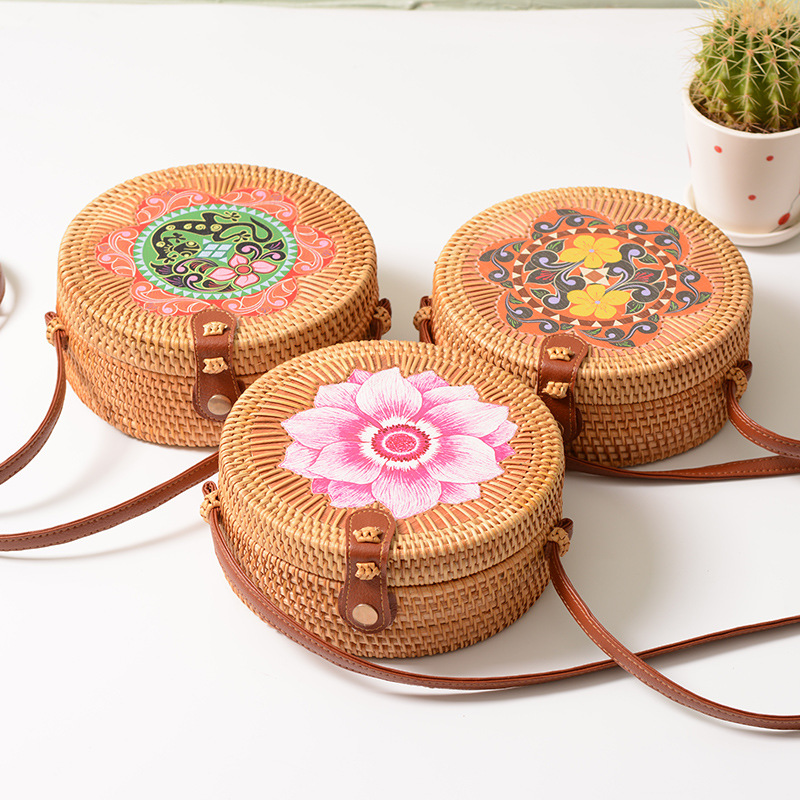 INS Hot Fashion Wholesale Women Rattan Bag Summer Handmade Beach Round Rattan Bag