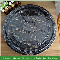 Take out disposable round black plastic sushi party trays with lids