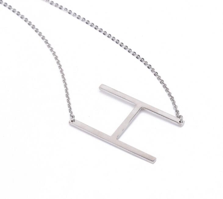 2017 hot selling stainless steel letter pendant necklace