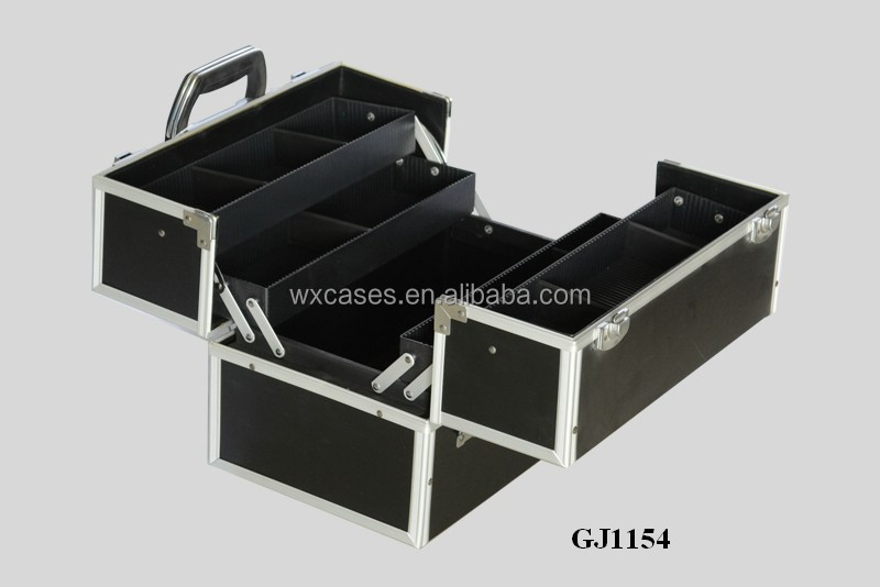 strong aluminum tool box with 4 plastic trays&adjustable compartments on the case bottom from China manfacturer