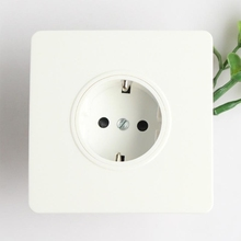Free sample /promotion CE/ROHS 2014 newly developed portable socket outlet
