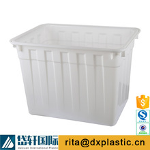 white plastic square transparent water tank