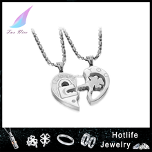 2014 hotest design design boy and girl pendant necklace