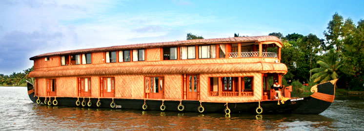 Ayurvedic Massage With Good Kerala Houseboats