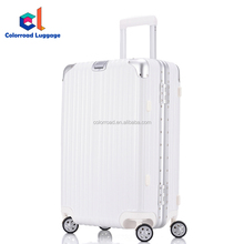2018 trending smart Aluminum Frame luggage USB charging interface suitcase with gps luggage tracker and free Track Easy app