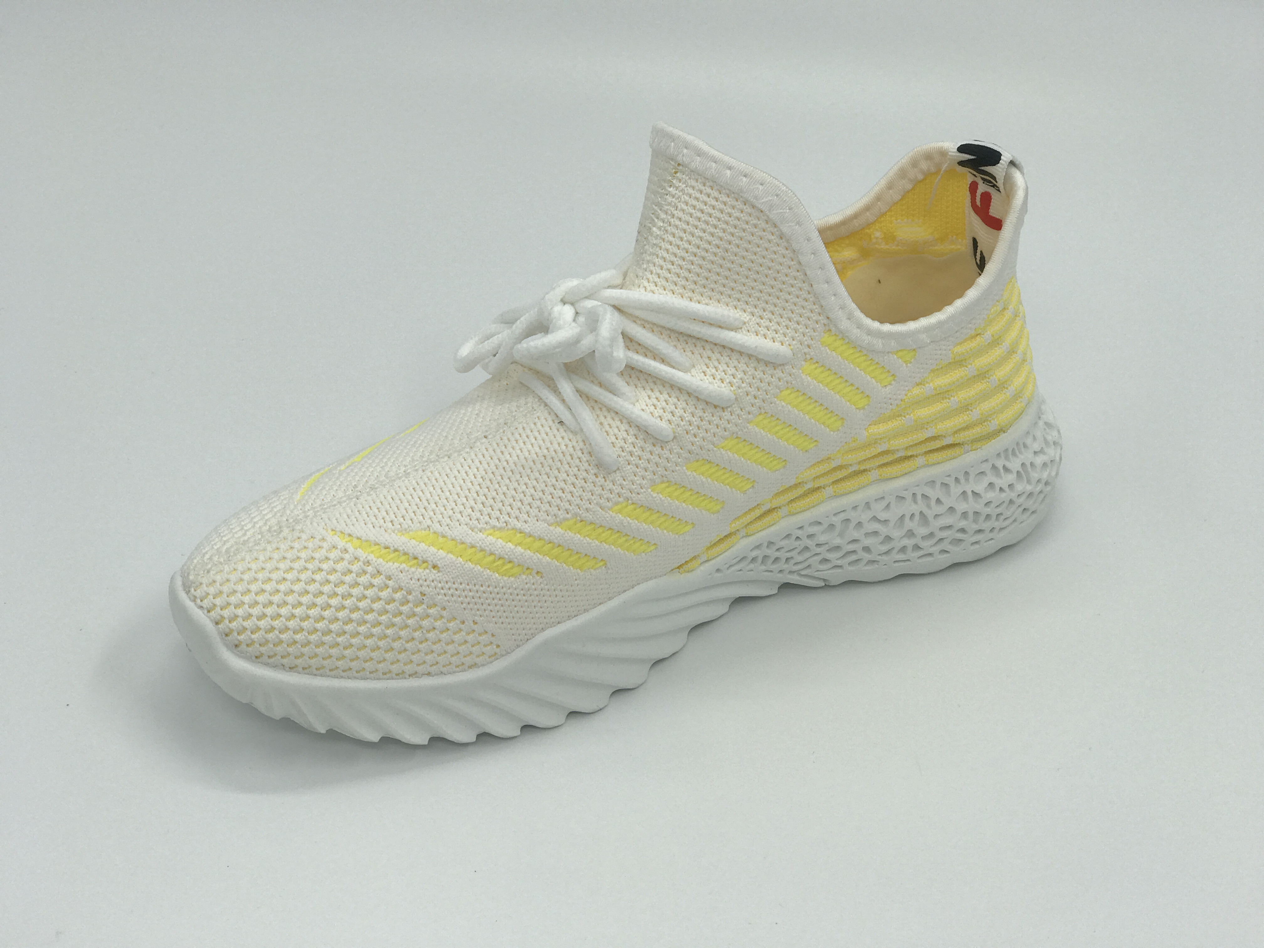 Men's fashion Flying weaving leather running sports shoes, wear-resistant casual sports shoes for men With luminous