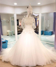 2017New crystal ball gown Europe style wedding dress with off-sleeves long tail heavy beaded embroidery lace ball gown H007
