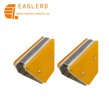 Traffic safety guardrail delineator reflector