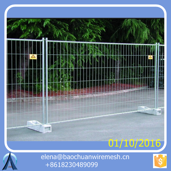 temporary dog fence / temporary fence stands concrete