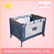 ASTM / EN / AS/NZS Standard square baby cots with drawings on Mesh Wall