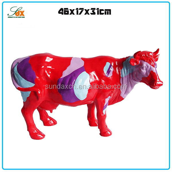 Top level stylish miniature polyresin figurines / resin animal statue cow figurines