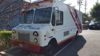 Customized Coffee / Ice cream / Barbecue / Flower electric mini-bus Mobile food truck / trailer