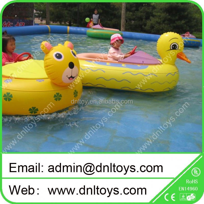 Cheap water game white inflatable bumper boat for kids and adult amusement
