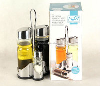 TV Shopping Mail Order Of Kitchenware Salt Shaker And Pepper Mill Set