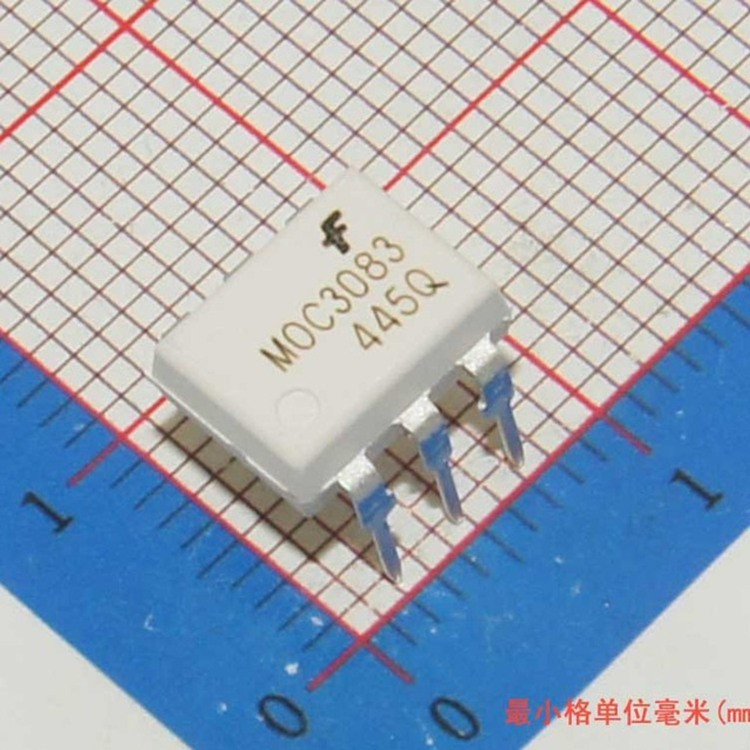 IC Transistor Output Optocouplers MOC3083M DIP-6