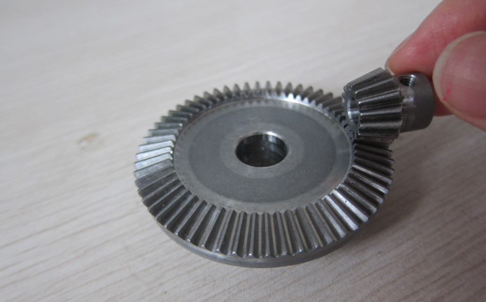 Stainless steel bevel gear with teeth hardened treatment