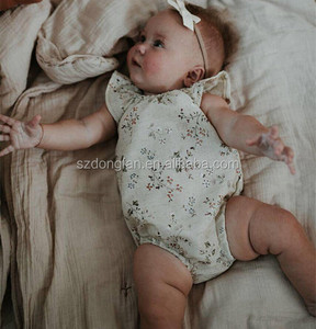 Super soft floral linen newborn baby clothes mid-high end flutter sleeve romper