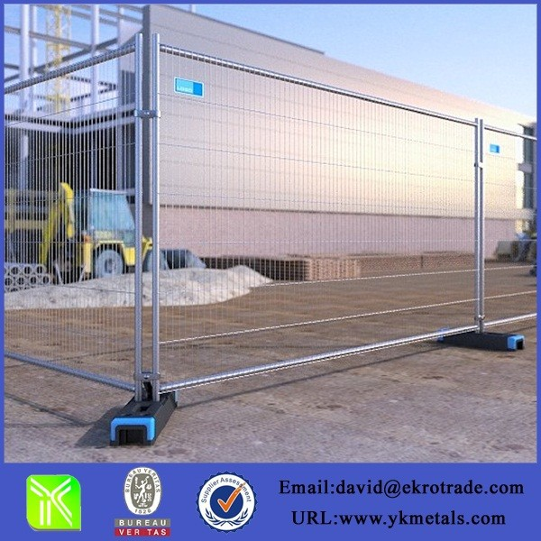 Temporary construction site fence