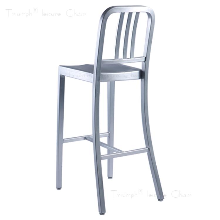 Triumph meubles de salle a manger chaise moderne for Meuble salle À manger avec chaise salle a manger par 6