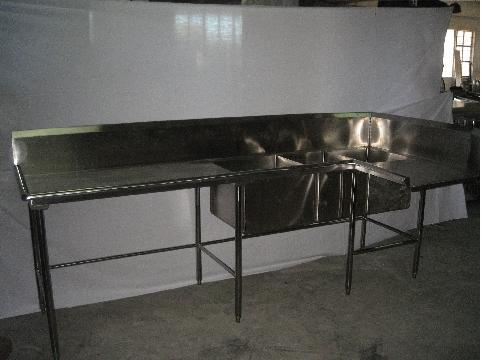 Dishwashing Table with Sink