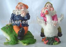 polyresin gnome figure