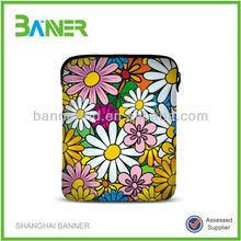 New design OEM trendy printed ladies neoprene zipper fancy laptop bags