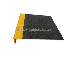 Pultruded anti-slip gritted frp/grp stair nosing profile
