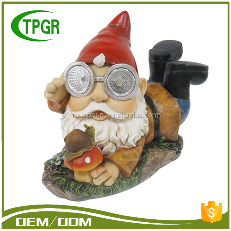 Chinese Manufacturers Funny Garden Resin Statue Unpainted Gnome Figurine Wholesale Craft Polyresin Figurine With Solar Light