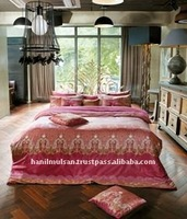 Luxury cotton bedding, Empress Wine with Mineral fiber