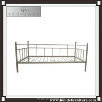 Ironjarl Chinese cheap wrought iron day bed for adult
