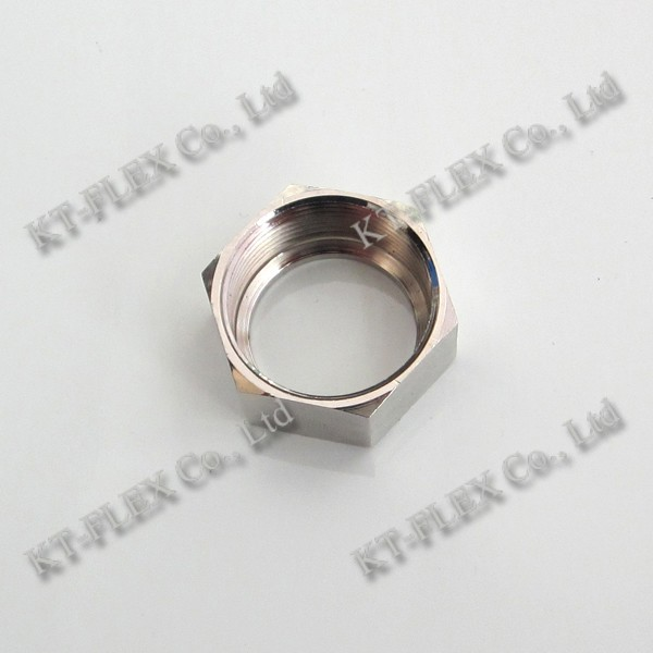 Metallic conduit pipe fitting metallic bushing
