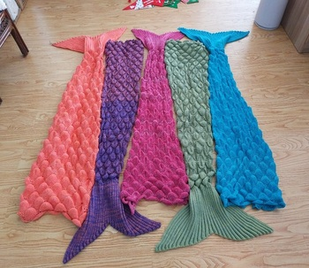 2017 Hot China Wholesales Manufacturer, 100% Acrylic fabric, Adult/children mermaid tail blanket with Scales