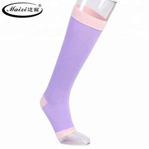 OEM Comfortable and Stylish Knee High Sleeping Compression Stocking for Women