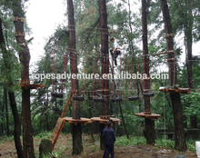 outdoor jungle playing equipement tree top climbing courses with zipline