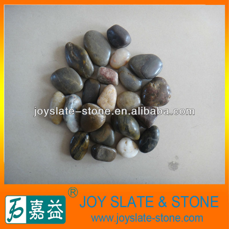 mixed color natural pebble stone walkway