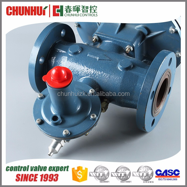Diaphragm casting adjustable gas pressure regulator