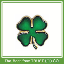 Custom cheap metal badge, cheap metal pin badge, cheap four leaf cover in plating gold