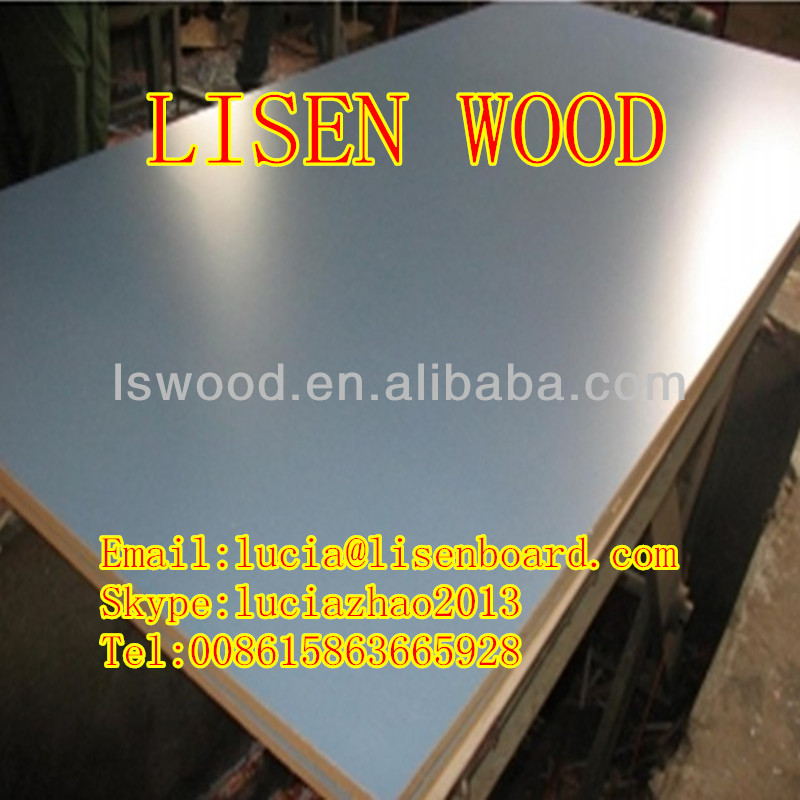 Decorative aluminum coated plywood faced board